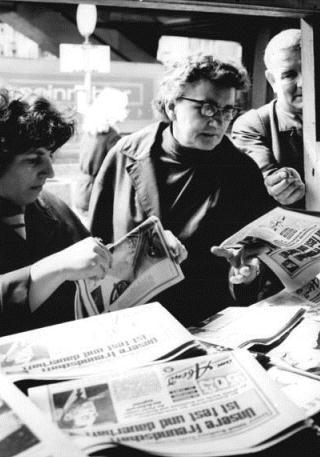 Hauptfoto: File:Zeitungskiosk Berlin 1971.jpg